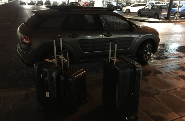 Car, rain, luggage